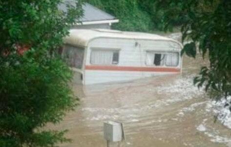 Floating Caravan